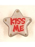 Flashing Star Badge - Kiss Me