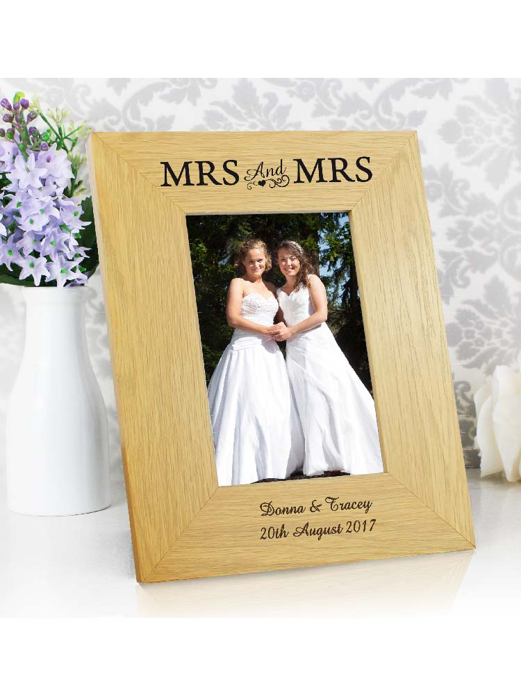 Personalised Oak Finish 6x4 Mrs & Mrs Photo Frame